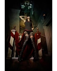 Corsé de Cuerda Negro con Brocado Rojo y Botas Negras